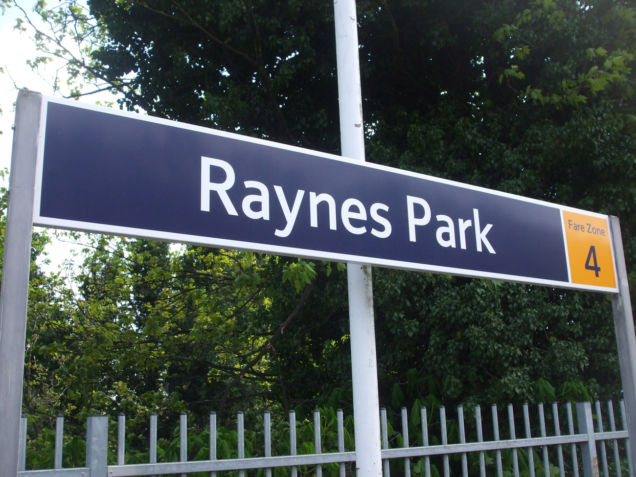 recommended removal company raynes park