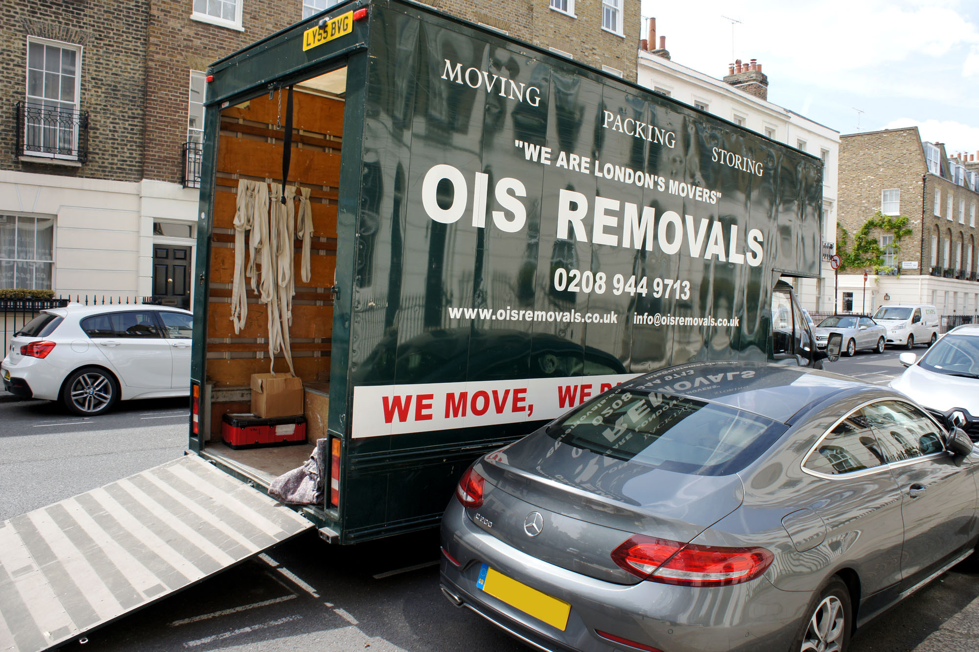 removal van in london